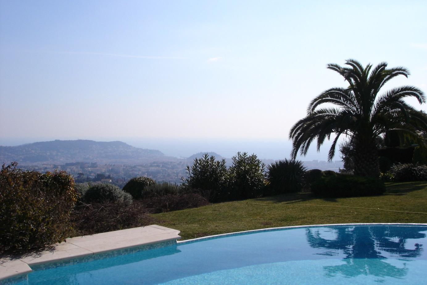 villa dans le quartier de Nice Gairaut